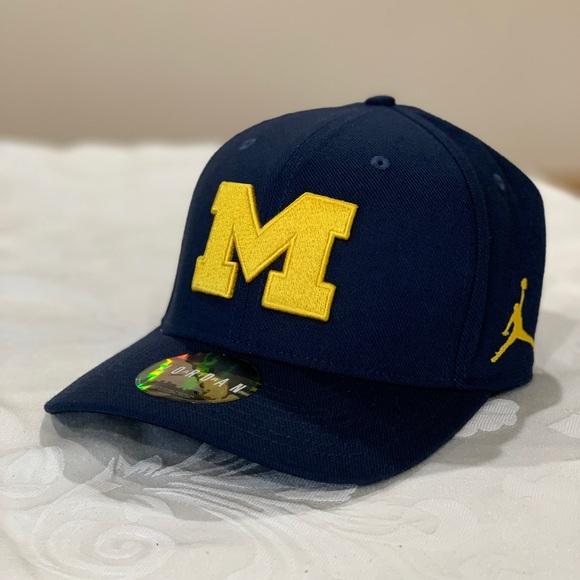 1f70e83b4 Nike Jordan Michigan Wolverines Baseball Cap Hat NWT